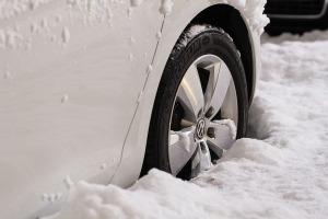 wheels-snow