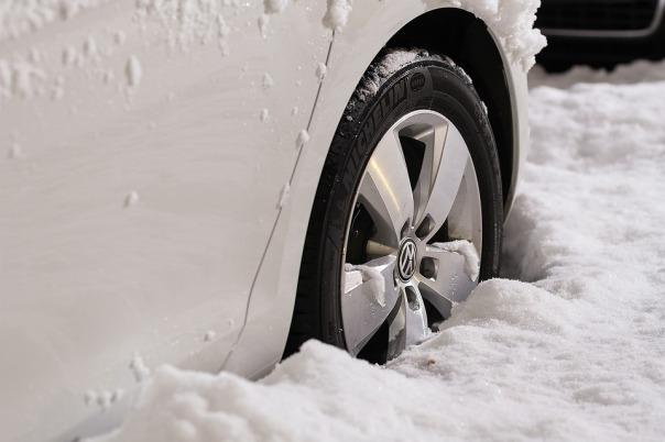 vw snow tyre.jpg